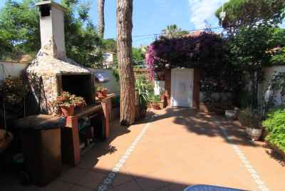 Bright townhouse close to the beach close to Barcelona